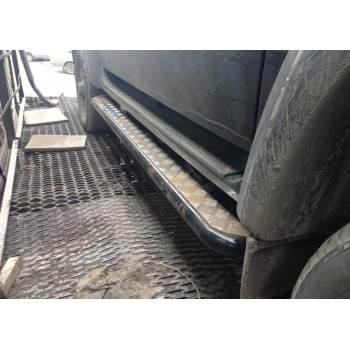 Силовые пороги УАЗ Патриот с возможностью подъёма hi-jackс защитой бензобаков