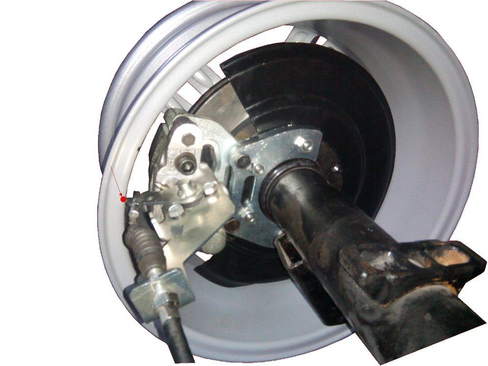 Задние дисковые тормоза УАЗ Патриот  2013 года диски R16